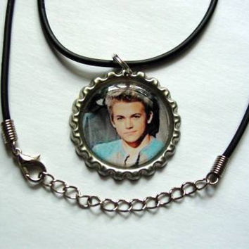 Hunter Hayes Bottle Cap Necklace by JustForYouByMaggi on Etsy