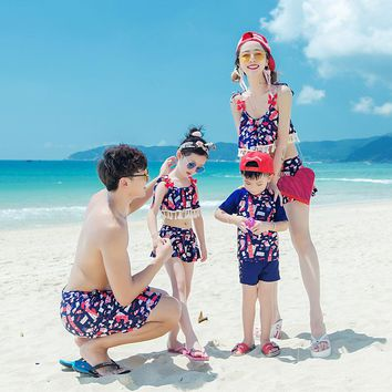 Family Matching Outfits Beach Clothes Mommy and Me Swimsuit Father Son Shorts Papa Mama Baby Bear Shirt Mother Daughter Bikinis