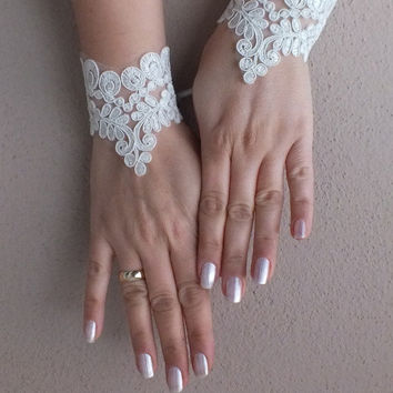 wedding accessories, Bridal cuff, ivory cuff, french lace cuff, Bridal accessories, Free Ship