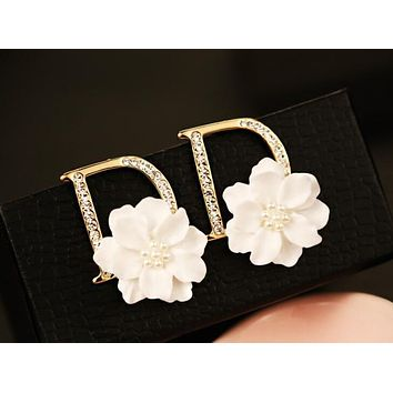 Newest Popular Women White Flower D Letter Diamond Earrings Accessories Jewelry I13642-3