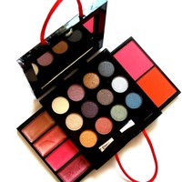 Swag Bag On-The-Go : 19 pc Make-Up Palette
