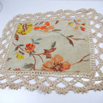 Classic floral doily / crocheted Vintage Doily / beige linen / orange yellow / retro / home decor / floral vines / kitchen / harvest / fall