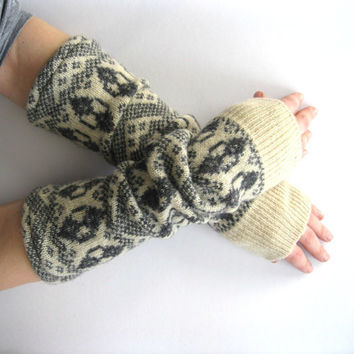 Wool Gauntlets Fair Isle Gray and Cream Texting by SewEcological