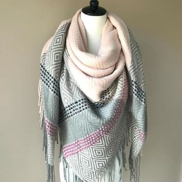 """""""Style me up"""" Scarf - Gray and Light Pink"""