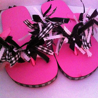 Cute pink black and white gingham ribbon children's size M flip flops beach spa slippers summer Barbie girl