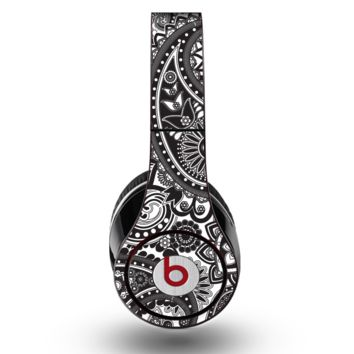 The Black and White Paisley Pattern V6 Skin for the Original Beats by Dre Studio Headphones