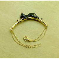 Personality fashion black cat catch butterfly bracelet ,a cute black cat ,a perfect gift !