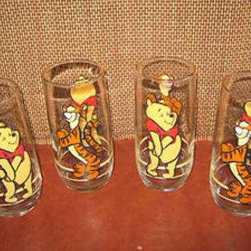 Vintage Disney Glass Winnie the Pooh & Tigger Collector Glasses Set of 4 RARE