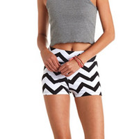 STRETCHY CHEVRON PRINT BIKE SHORTS