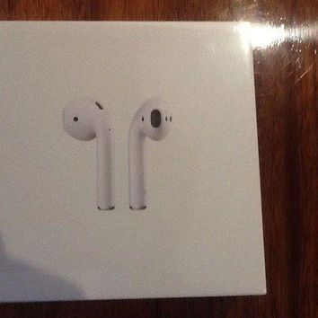 VONW3Q Apple AirPods ( White ) MMEF2ZA/A - Wireless Bluetooth Earphones