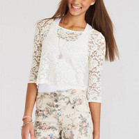 Scallop Edged Lace Long-Sleeve