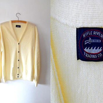 Pale lemon yellow knitted cardigan / cream / button up / silver / vintage / 1980s / long sleeve / roll cuff / v neck slouchy cardigan