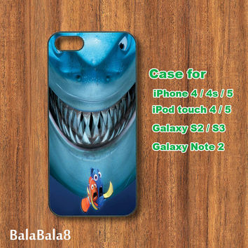 shark - iPhone  4 case, iphone 5 Case, iPod 4 case,  iPod 5 case, ipod touch case, Samsung Galaxy S3 / S2 case Galaxy note 2 case