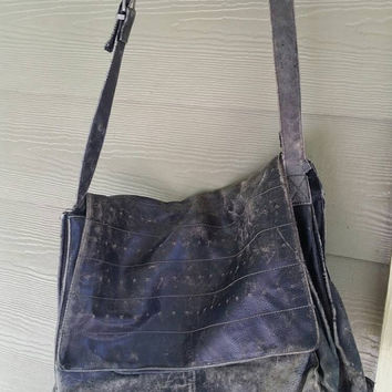 Vintage 90s grunge Kenneth Cole distressed perfectly broken in Satchel messenger bag