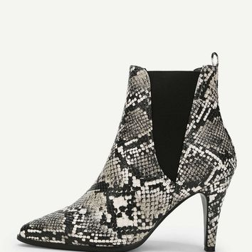 Snakeskin Print Pointed Toe Boots