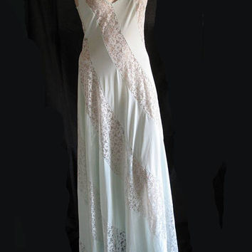 1970s Lace and Mint Green Nightgown / Size 34 / Olga Nightgown