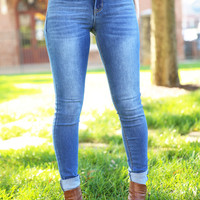 The Leah Mid Rise Skinny Jeans - Light