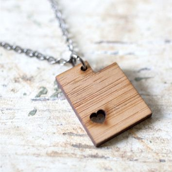 Handmade Bamboo State Necklaces - States N-Z