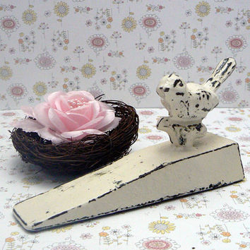 Bird Doorstop Cast Iron Shabby Elegance Creamy Off White Distressed Nature Fowl Wedged Door Stop Prop Gift Idea
