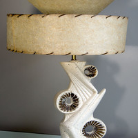 Vintage 1950s Mid Century Chalkware Table Lamp in Black, White & Gold w/ Fiberglass Shade