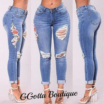 GGotta's Nicca Floral Embroidered Ripped Slim Jeans