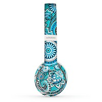 The Vibrant Blue and White Paisley Design  Skin Set for the Beats by Dre Solo 2 Wireless Headphones