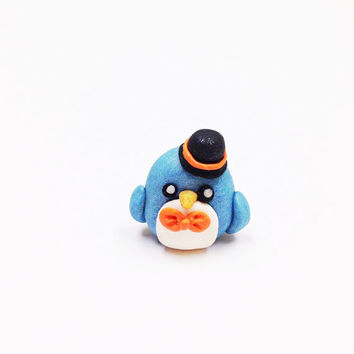 Kawaii Penguin Charm, polymer clay charm, penguin cake topper, kids birthday cake topper, party favor, kawaii clay charm, cute clay bird