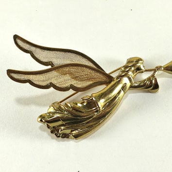 Herald Angel Brooch, Holiday Brooch, Christmas Jewelry, Gold Tone Brooch, Trumpet Jewelry, Religious Jewelry, Angel Pin, Mesh Jewelry