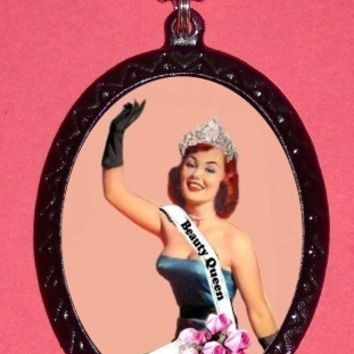 Beauty Queen Pinup Pin up Pageant Rockabilly Pendant Necklace Cute Kitsch NEW Burlesque