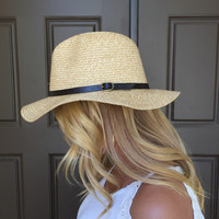 Buckle Up Hat In Chestnut