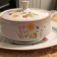 Stratford Mikasa Porcelain Casserole Dish and Platter, Summer Melody Floral Pattern, Gold Rim, Nita Design, Excellent Condition
