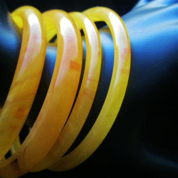 Vintage Lucite Swirl Butterscotch Bangle Bracelets Set of 4 Fashion Jewelry