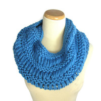 Chunky Infinity Scarf, Knit Cowl, Knit Circle Scarf, Knit Blue Scarf, Electric Blue Knitted Infinity Scarf, Women Scarf,