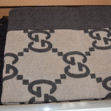 NEW in BOX GUCCI Wool Cashmere Blanket GUCCISSIMA THROW Fringe Brown Beige RARE