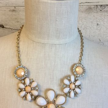 FLower Necklace: Peach