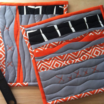 Modern Potholders, Hot Pad, Kitchen linens, trivet, Orange, Gray, Home living, Abstract, Quilted Potholders,