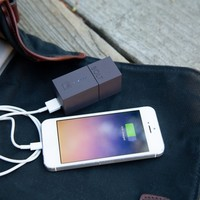 The Amazing Phone Charger that Works Without an Outlet! - The Photojojo Store!