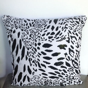 50% OFF Sale Black Friday Animal Pillows, Black Leopard Pillow Cover, Black cheetah pillow,  Decorative Black White Pillows