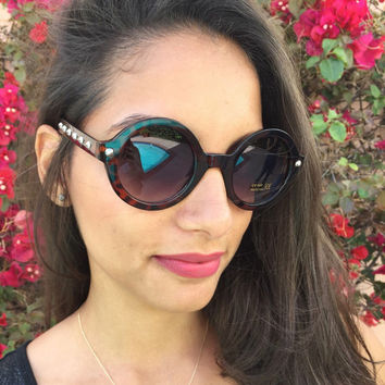 Unique Retro Round Leopard Print Frame Sunglasses with added Studs