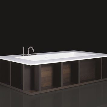 Freestanding Cristalplant® bathtub SWIM-C by Boffi design Piero Lissoni