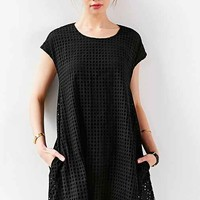 Alice & UO Half Moon Eyelet Shift Dress- Black