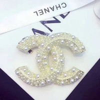 CHANEL Pearl big brooch black and white pearl inlaid brooch White