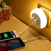 GRDE LED Night Light with Dusk to Dawn Sensor and Dual USB Wall Plate Charger