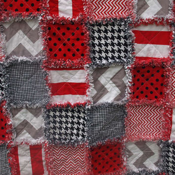 Houndstooth Red Black and Grey Rag Quilt