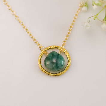 May Birthstone Necklace - Raw Emerald Necklace - Gemstone Necklace - Gold Necklace - Hammered Circle Necklace- 14k Gold Filled