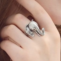 A 080620 European and American vintage jewelry ring small elephant