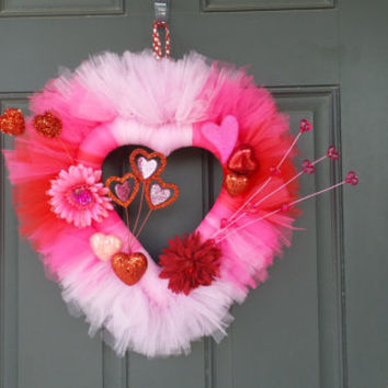 Valentine's Day Ombre Heart Shaped Door Wreath