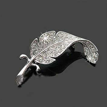 Loved vehicle parts accessories clothes sweater delicate crystal brooches Silver Simple colored feather brooch form