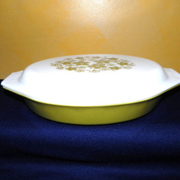 Pyrex Crazy Daisy Covered Divided Baking Dish with Lid, Casserole or Two Vegetable Divided Dish, Milk Glass with Olive Green Flower Lid