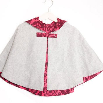 Girls Cape in grey wool fabric and pink flowers. 3T/4T toddler.
